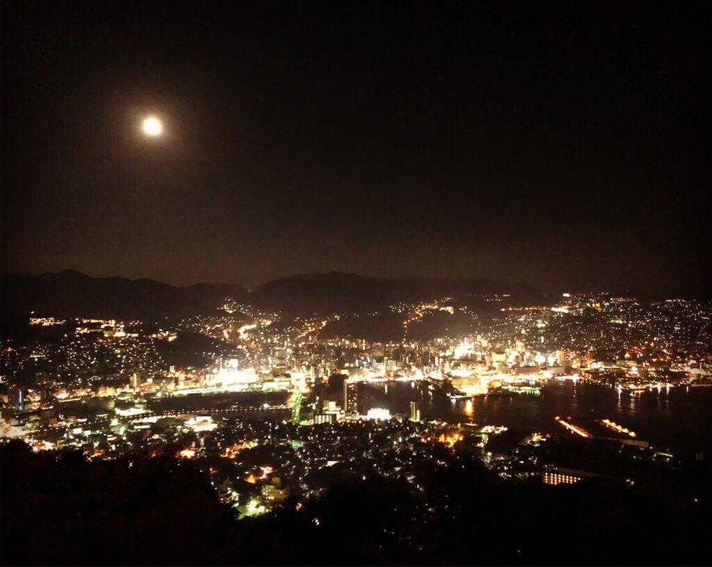 世界三大夜景のひとつ長崎ロープウェイから見る夜景