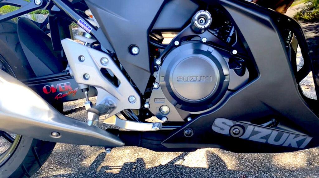GSX250Rのエンジン